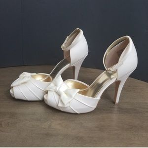 Wedding white elegant moment high heels